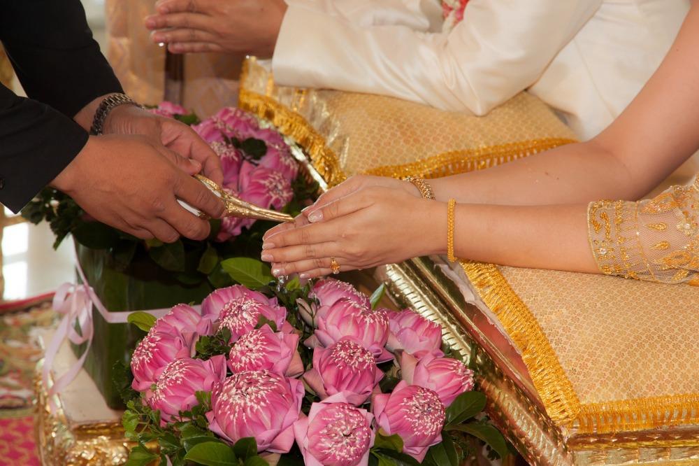 wedding-1308093_1920 (1).jpg